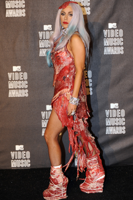 Lady Gaga S Meat Dress Called Smelly And Maggoty Tnt Magazine