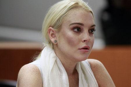 Lindsay lohan poses nude can