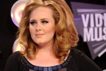 Karl Lagerfeld Backtracks Over Adele Fat Comment Tnt