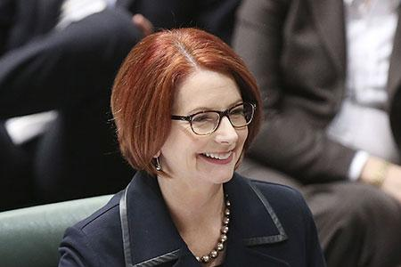 Kangaroo Knitting Pattern Julia Gillard : Julia Gillard slammed over photos in Womans Weekly showing Aussie PM kni...