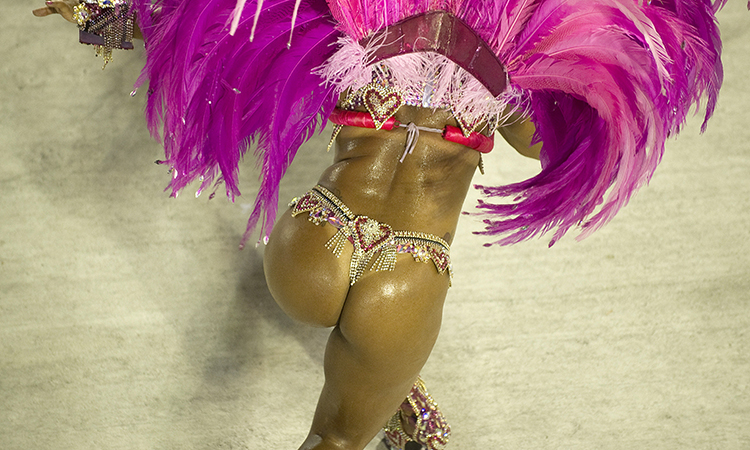 Попки бразилии в танце